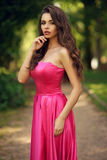Romantisch Meisje Openlucht Stock Afbeelding