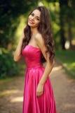 Romantisch Meisje Openlucht Stock Afbeeldingen