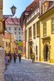 Romantisch middeleeuws straat-Krakau (Krakau) - Polen stock fotografie