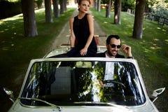 Romantisch paar bij reisreis Stock Afbeelding
