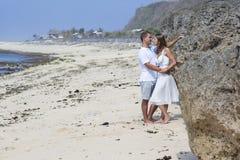 Romantisch paar op een strand Stock Foto