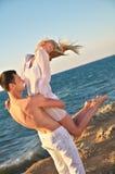 Romantisch paar op het strand Royalty-vrije Stock Foto
