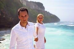 Romantisch paar op het strand Stock Fotografie