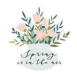 Romantisch roze pioenboeket in de vaas met kalligrafie - `-de Lente is in de lucht ` Vector hand getrokken illustratie vector illustratie