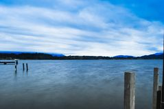 Romantische Ansicht des Sonnenuntergangs auf einer ruhigen Insel in Neuseeland stockfoto