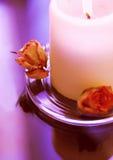 Romantische brennende Kerze Stockfotos