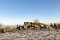 romantische Brunhildis-rots bij de bovenkant van Feldberg stock foto