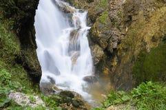 Romantische cascade in het wilde ravijn, Eisenwurzen Royalty-vrije Stock Foto's