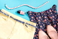 Romantische de kledingsinzameling van de stijl vrouwelijke zomer Stock Afbeeldingen