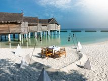 Romantische diner of lunchopstelling in de Maldiven Royalty-vrije Stock Afbeeldingen
