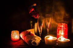 Romantische Einstellung des Badekurortes für Valentinsgrußtag Stockbilder