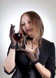 Romantische Frau mit Glas Wein Stockfotografie