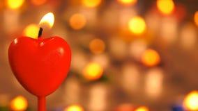 Romantische hartvorm van kaarslicht stock video