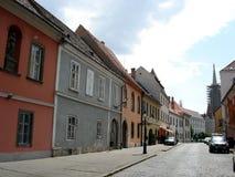 Romantische heuvelige straat Stock Foto