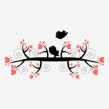 Romantische illustratie van twee vogels op de boom Stock Afbeelding