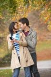 Romantische Jugendpaare Lizenzfreies Stockfoto