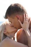 Romantische kus Stock Afbeeldingen