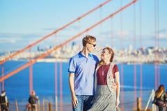 Romantische liebevolle Paare, die ein Datum in San Francisco haben Lizenzfreie Stockfotografie
