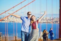 Romantische liebevolle Paare, die ein Datum in San Francisco haben Stockfoto