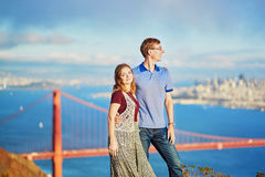 Romantische liebevolle Paare, die ein Datum in San Francisco haben Stockfotografie