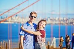 Romantische liebevolle Paare, die ein Datum in San Francisco haben Lizenzfreies Stockbild