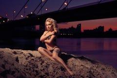 Romantische nachtstad Royalty-vrije Stock Afbeeldingen