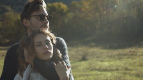 Romantische Paare, die schöne Momente des Glückes haben stock footage