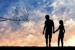 Romantische Paare am Sonnenuntergang Lizenzfreie Stockfotografie