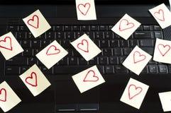 Romantische Post-Itanmerkungen Lizenzfreie Stockbilder