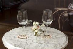 Romantische wijnglazen royalty-vrije stock afbeeldingen