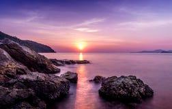 Romantische zonsondergang in Sattahip, Thailand stock afbeelding