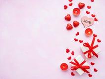 Romantischer Hintergrund des Valentinstags lizenzfreie stockfotos