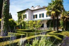 Romantischer Hof im italienischen Landhaus Lizenzfreies Stockbild