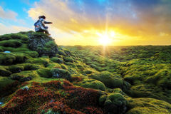 Romantischer Sonnenaufgang Island lizenzfreies stockfoto