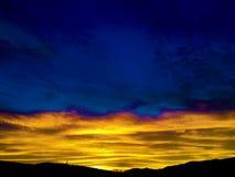 Romantischer Sonnenuntergang und Horizont lizenzfreies stockfoto