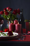 Romantischer Valentine Table Setting Stockfotos