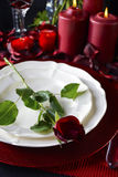 Romantischer Valentine Table Setting Lizenzfreie Stockfotos