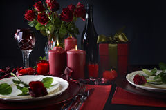 Romantischer Valentine Table Setting Lizenzfreies Stockbild