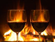 Romantisches Abendessen, zwei Gläser Lizenzfreies Stockbild