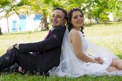 Romantisches gerade verheiratetes Paar Stockbilder