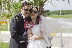Romantisches gerade verheiratetes Paar Lizenzfreies Stockfoto