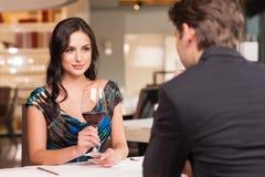 Romantisches Gespräch haben Lizenzfreies Stockfoto