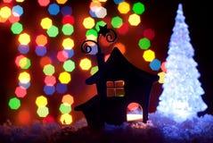 Romantisches Haus mit einer Weihnachtsbeleuchtung Stockfoto