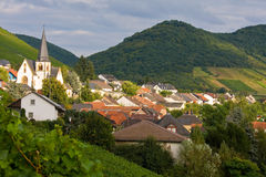 Romantisches Rebe-Dorf in Deutschland Lizenzfreies Stockbild