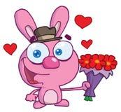 Romantisches rosafarbenes Häschen, das heraus Blume lächelt und anhält Lizenzfreie Stockfotos
