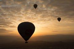 Romantisk ballong för varm luft för resa Arkivbild