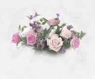 Romantisk bukett av rosa rosor Royaltyfri Bild