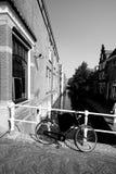 Romantisk byplats i Nederländerna Arkivfoton