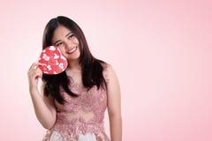 Romantisk dagdröm för förtjusande asiatisk flicka fotografering för bildbyråer
