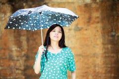 Romantisk flicka för skönhet utomhus Arkivfoton